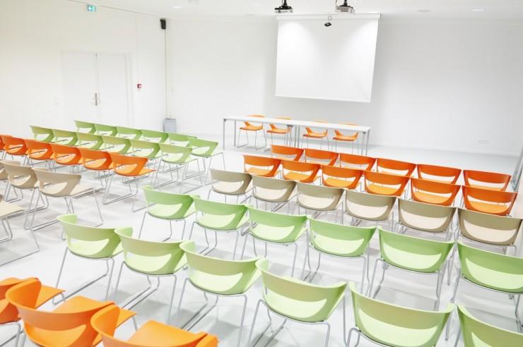salle Alpes Maritimes en formation théatre, centre de conferences